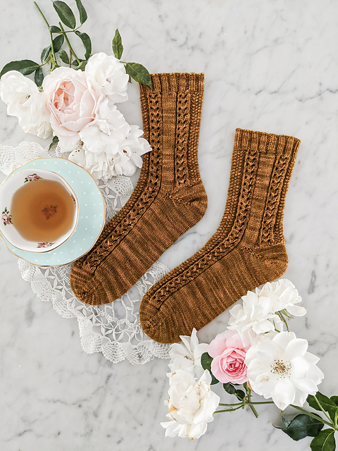 Creme Brulee Socks A Bee in the Bonnet